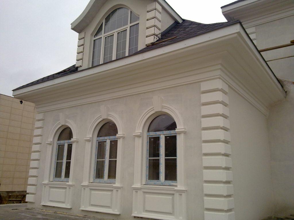 Декоративные фасадные элементы.
